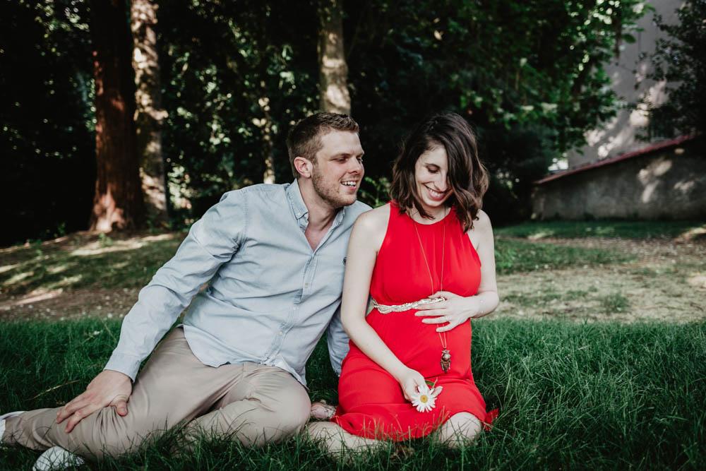 couple de futurs parents - enceinte - photographe chartres - grossesse - eure et loir - evreux - verneuil sur avre - 27 - 61 - champetre