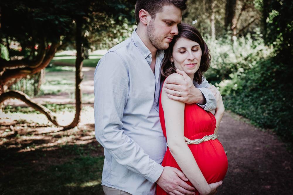seance photo grossesse - naturelle - chartres - photographe - couple amoureux - eure et loir