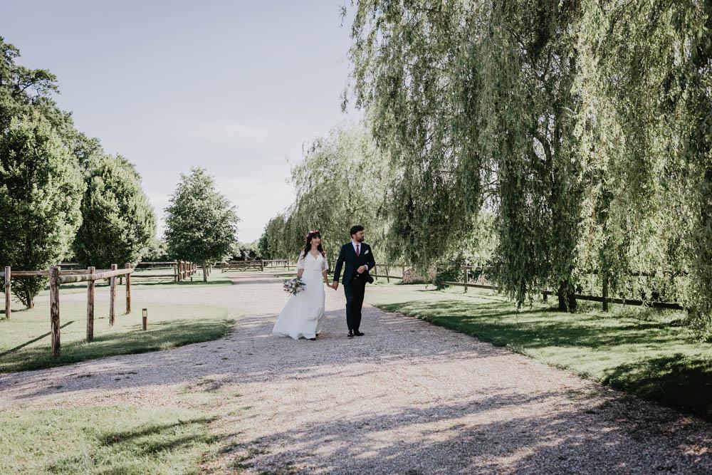 photographe eure et loir - chartres - verneuil sur avre - domaine des evis - boheme - champetre - chic - dans le perche - photos de couple naturelles