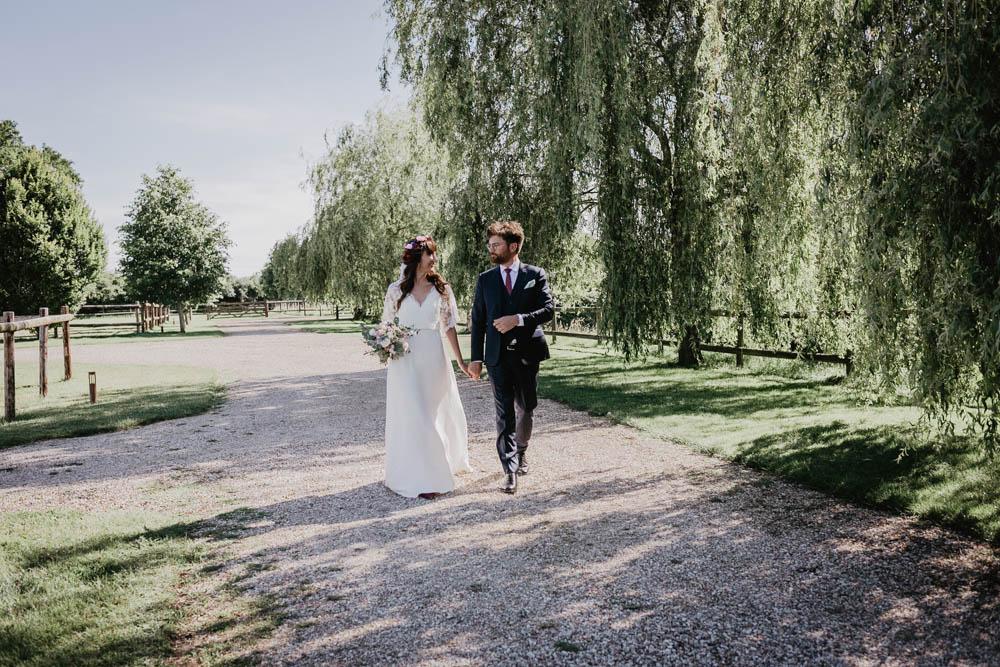 photo de couple naturelles - photos des maries - mariage au domaine des evis - dans le perche - photographe chartres - eure et loir - evreux - verneuil sur avre - orne