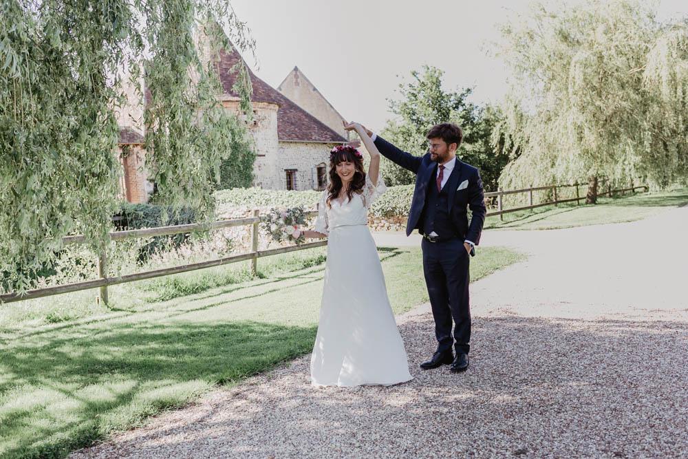 photographe verneuil sur avre - perche - chartres - eure et loir - domaine des evis - photos de couples des maries - naturelles