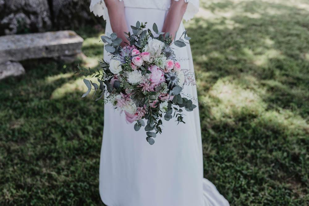 photographe eure et loir - domaine des evis - chartres - verneuil sur avre - evreux - perche - bouquet de la mariee - pastel - rose