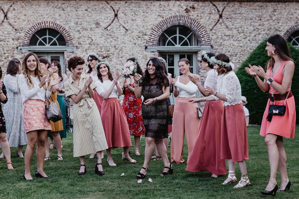 filles celibataires - domaine des evis - lancer de bouquet - photographe mariage evreux - eure et loir - verneuil sur avre - chartres - 28 - 27 - 61 - 78