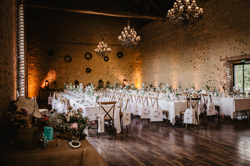 mariage au domaine des evis - perche - verneuil sur avre - eure et loir - photographe mariages - chartres - evreux - lustres - lumieres orangees