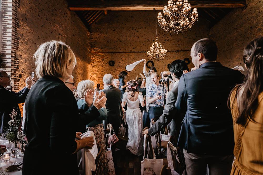 soiree - ambiancee - entree des maries - serviettes - domaine des evis - dans le perche - photographe - eure et loir - chartres - verneuil sur avre - evreux