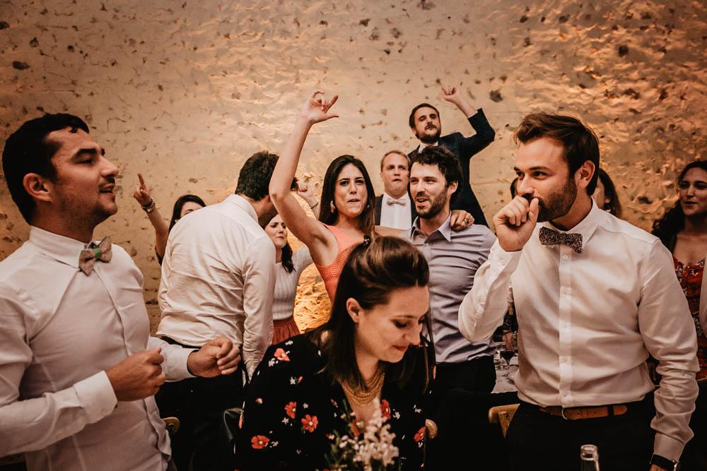 ambiance - a table - domaine des evis - photographe eure et loir - animations - evreux - chartres - perche - mariage fun