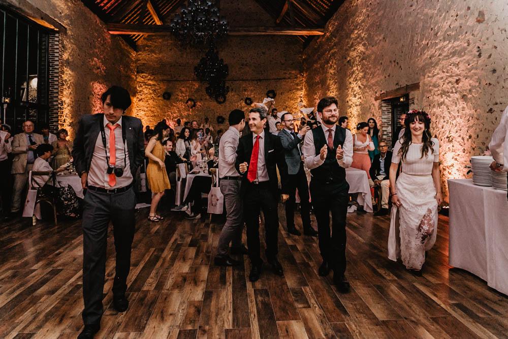 dancefloor - ouverture de bal - soiree - photographe eure et loir - domaine des evis - chartres - perche - evreux - verneuil sur avre - premiere danse