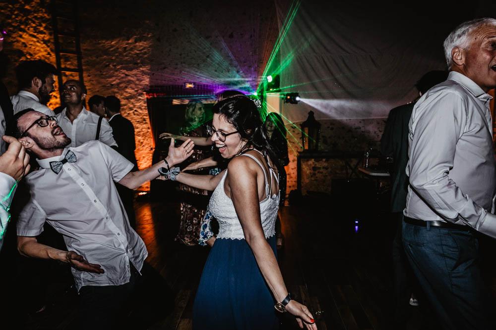 lasers - jeux de lumieres - domaine des evis - soiree - danse - dancefloor - photographe - eure et loir - chartres - verneuil sur avre - mariage au domaine des evis - evreux