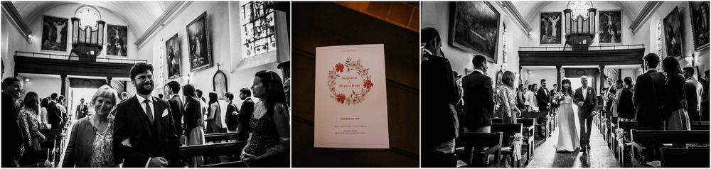 entree des maries - eglise - mariage religieux - ferte vidame - photographe eure et loir - mariage - noir et blanc