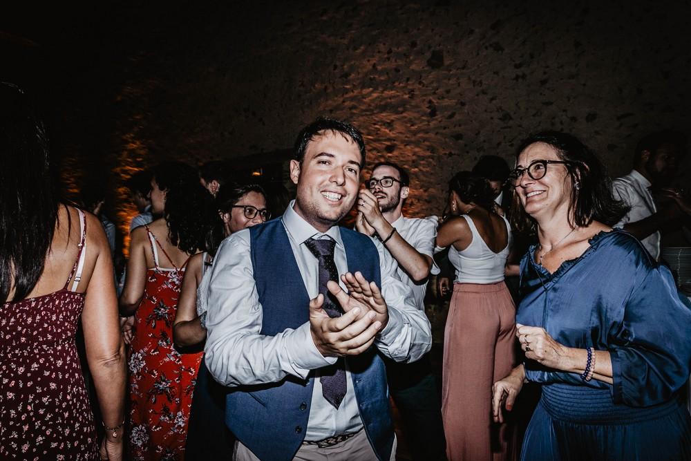ambiance - musique - soiree de mariage - dancefloor - danser - domaine des evis - photographe mariage eure et loir - verneuil sur avre - chartres
