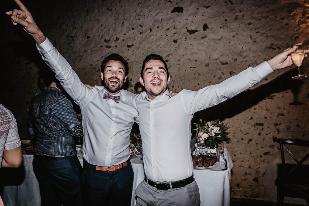 soiree - mariage - entre potes - entre amis - domaine des evis - grosse ambiance - photographe verneuil sur avre - chartres - eure et loir - fin de soiree - mariage