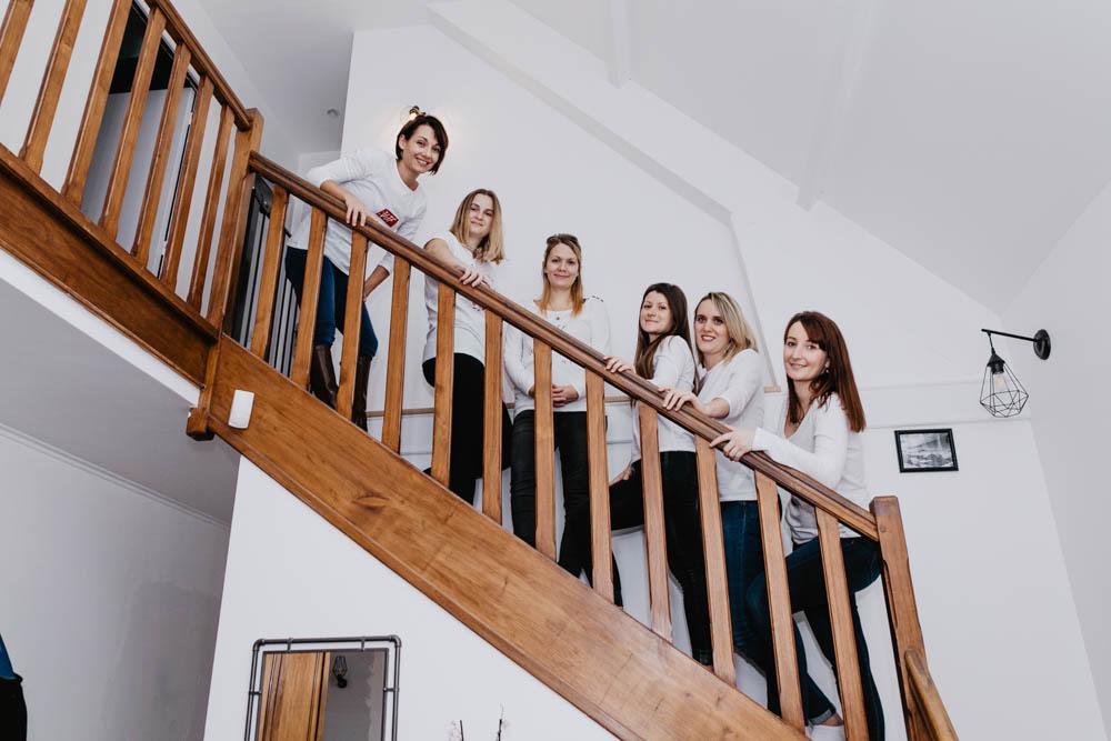 evjf photographe - eure et loir - photographe chartres - a la maison - entre filles - en interieur - chez soi - evjf cocooning