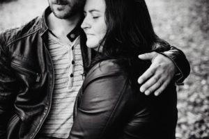 seance engagement - mariage - photographe eure et loir - chartres - verneuil sur avre - evjf - boudoir - grossesse - portrait de femme