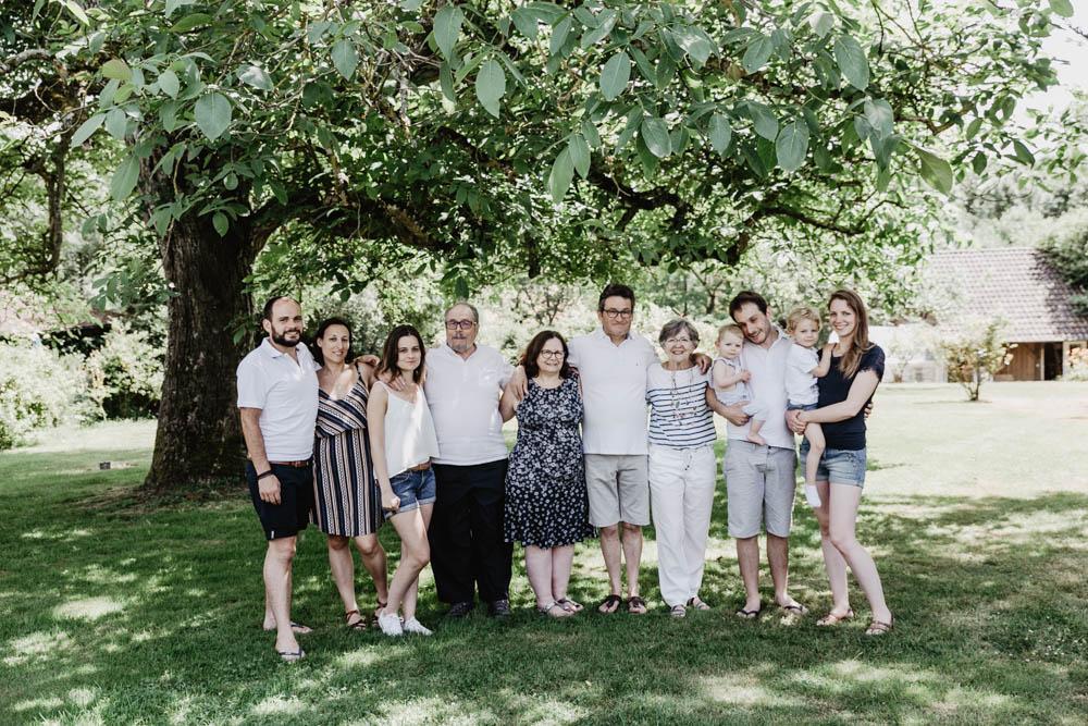 shooting photo famille nombreuse - seance photo - photographe famille - chartres - eure et loir - verneuil sur avre - plusieurs generations - multi generationnel