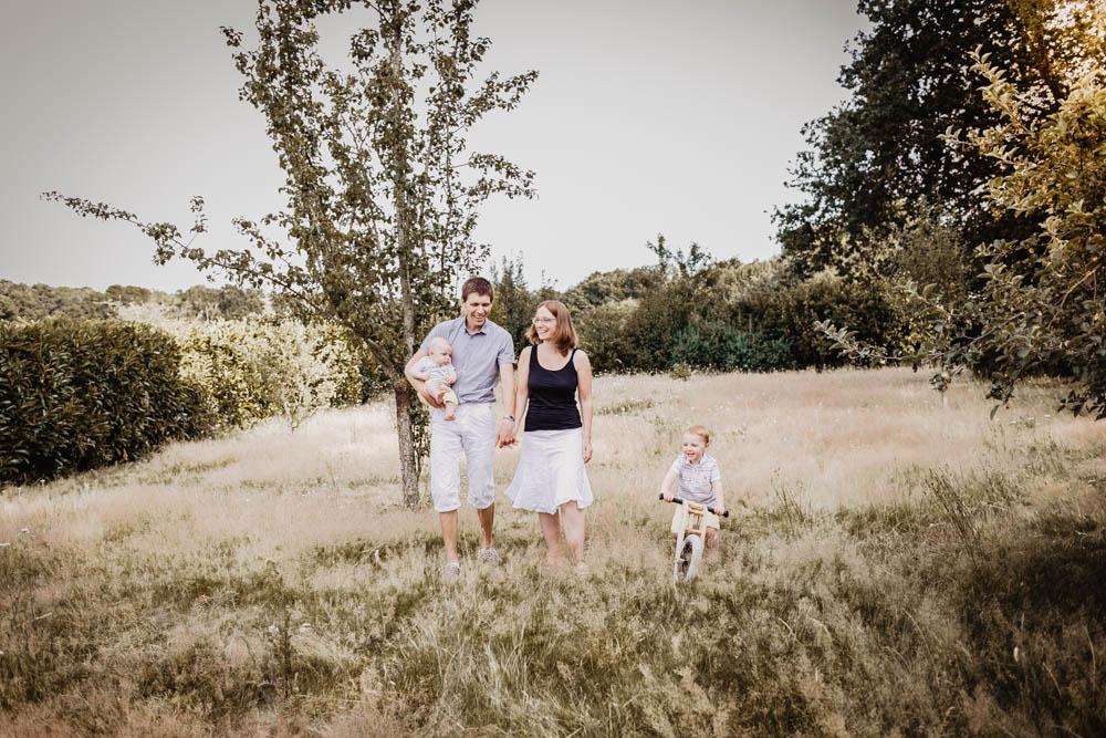 photographe famille - eure et loir - chartres - verneuil sur avre - dreux - photos en famille - shooting photo - à domicile - enfants - nouveau né