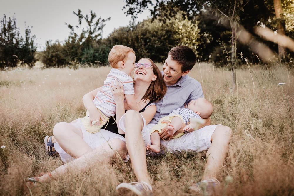 photographe famille - eure et loir - chartres - senonches - dreux - verneuil sur avre - enfants - joie de vivre - photos naturelles - lifestyle